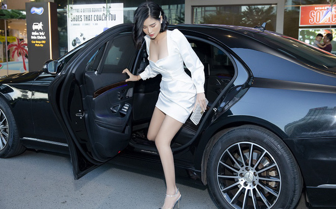 Hoa hậu Phạm Oanh khoe chân dài gợi cảm tại sự kiện