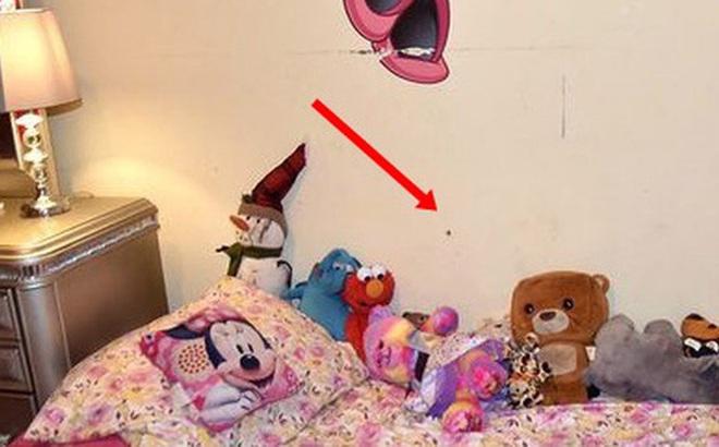 Sau vụ nổ súng, cảnh sát đăng tải bức ảnh chụp căn phòng của một bé gái cùng chi tiết chết người để cảnh báo mọi người