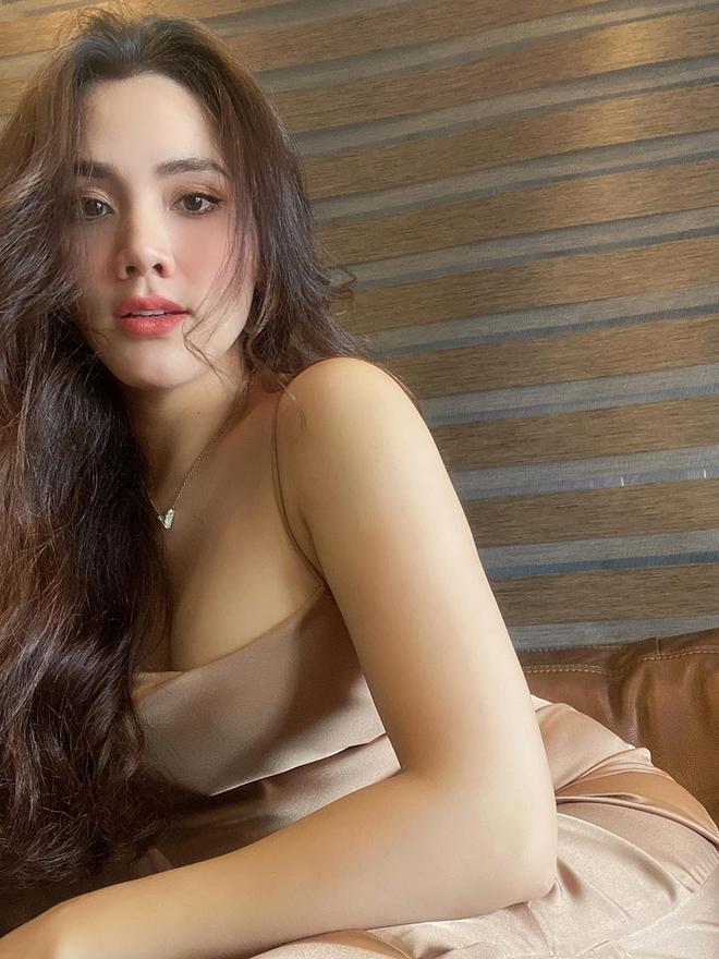 Vẻ gợi cảm, nuột nà của Trang Nhung dù đã sinh 2 con cho chồng đại gia - Ảnh 6.