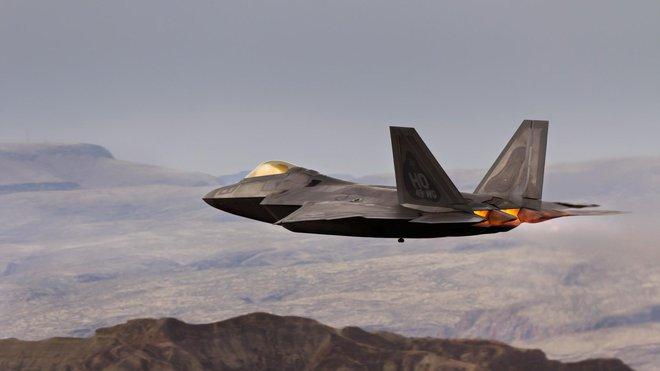 """Cải biên hệ thống liên lạc, """"chim ăn thịt"""" F-22 sẽ sớm thống trị bầu trời - Ảnh 2."""