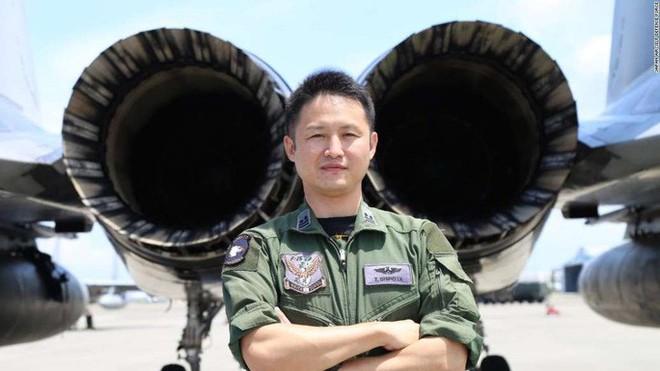 Không quân Nhật đón lõng chờ máy bay quân sự Trung Quốc - ảnh 1