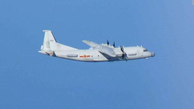 Không quân Nhật đón lõng chờ máy bay quân sự Trung Quốc - ảnh 6