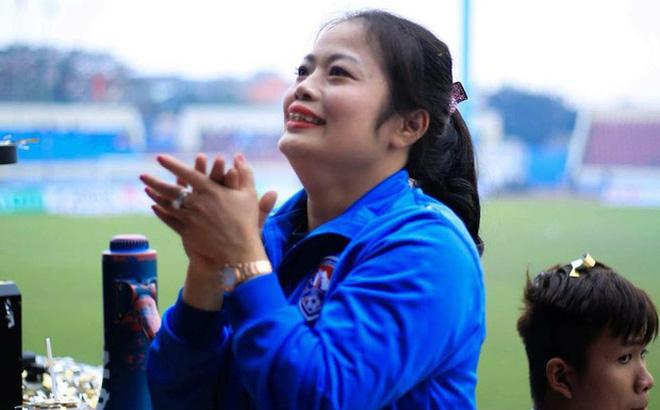 """Cho rằng CLB """"phản bội"""" niềm tin, nữ CĐV Việt Nam cay đắng tuyên bố dừng cổ vũ"""