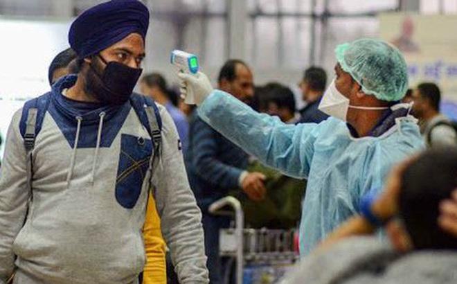 Chuyên gia Mỹ hoài nghi về vắc-xin ngừa Covid-19 từ Nga và Trung Quốc
