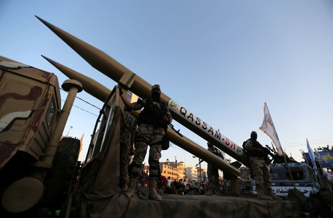 UAV chỉ thị mục tiêu, pháo Thổ vùi dập QĐ Syria ở Idlib  -  Phát hiện mê cung ngầm dưới tâm nổ Beirut - Ảnh 1.