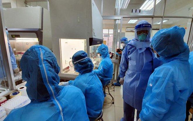 Hình ảnh bên trong cơ quan đầu não truy tìm virus SARS-COV-2 tại Đà Nẵng - Ảnh 5.