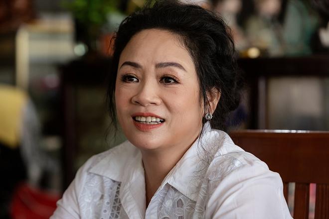 Cháu nuôi Hoài Linh khoe mẹ ruột trẻ đẹp, tài giỏi - Ảnh 9.