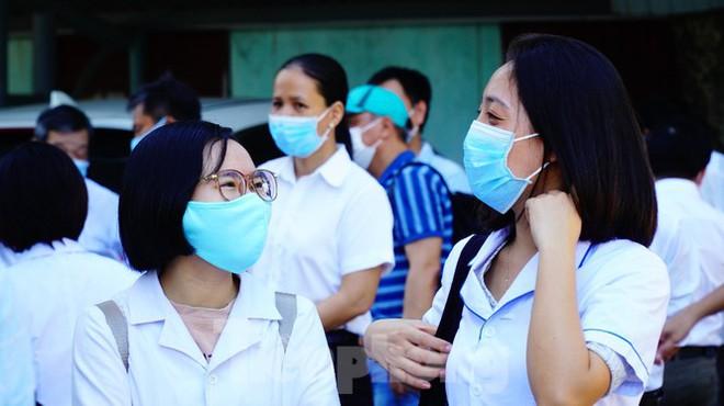 4 bệnh nhân đầu tiên của tâm dịch Đà Nẵng được công bố khỏi bệnh; Thêm 2 ca tử vong vì bệnh lý nền nặng và mắc COVID-19 - Ảnh 2.