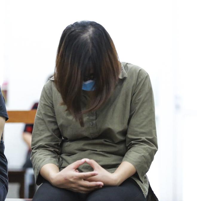 Xử vụ nam sinh trường Gateway tử vong: Cô giáo chủ nhiệm được hưởng án treo - Ảnh 2.
