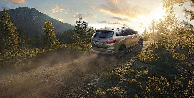 Mạnh tay giảm 200 triệu đồng, Ford Everest đang có mức giá thấp chưa từng có - Ảnh 2.
