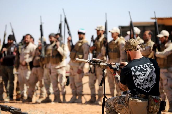 Bị o ép ở miền đông Syria, Quân đội Mỹ tính tung 2.200 tay súng chiếm lĩnh các mỏ dầu? - Ảnh 6.