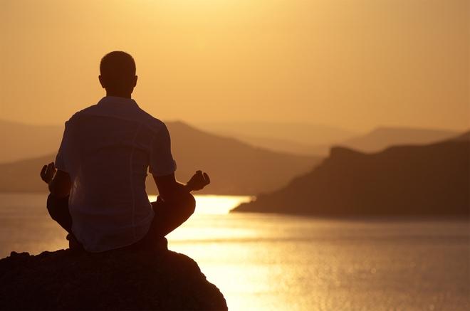Vị trí giả ném 1 viên đá và 1 chiếc nhẫn vào bãi đá rồi bảo chàng trai đi nhặt: Hồi kết đáng ngẫm, thức tỉnh nhiều người - Ảnh 5.