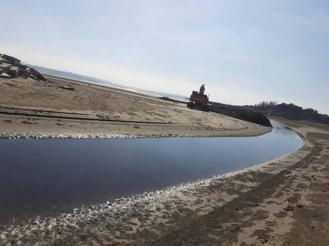 Vụ trại tôm xả thải ô nhiễm cả 1 vùng: Trang trại bất chấp dư luận tiếp tục xả thải ra biển - Ảnh 5.