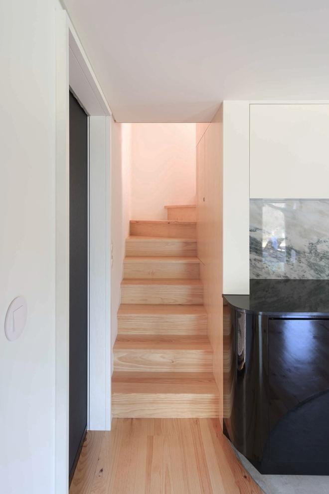 Ngôi nhà với bề ngoài đẹp như tranh vẽ nhưng bên trong khiến không ít người ngỡ ngàng - Ảnh 8.