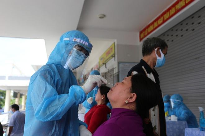 Bệnh nhân mắc Covid-19 là nhân viên giao bánh Pizza tại Hà Nội tiên lượng nặng - Ảnh 1.