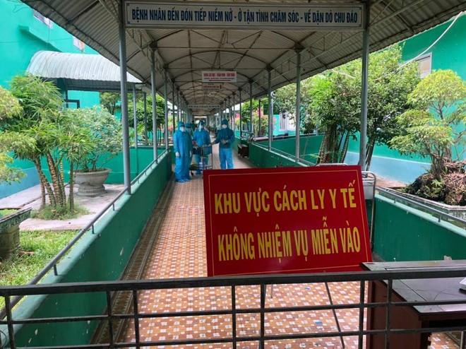Quảng Nam thêm 2 ca nhiễm Covid-19: 1 người mang thai, 1 người từng ra thăm bạn ở BV Đà Nẵng - Ảnh 1.