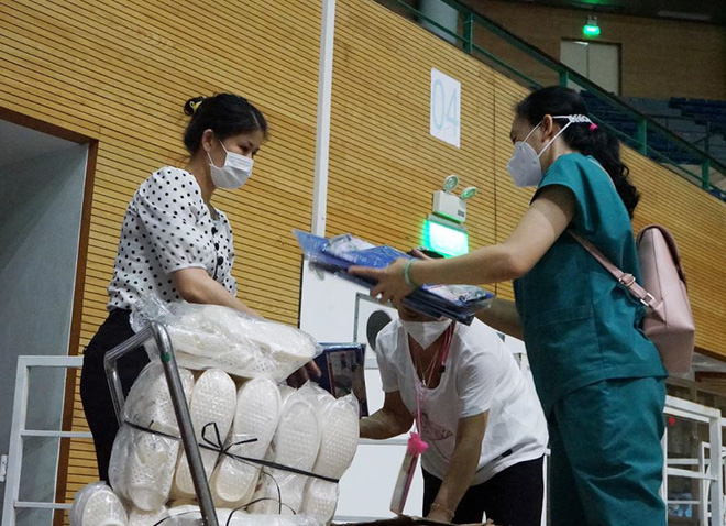 Những hình ảnh về Bệnh viện Dã chiến Tiên Sơn ở Đà Nẵng sắp đưa vào sử dụng - Ảnh 2.
