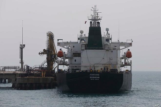 Tàu Iran bị rút sạch nhiên liệu, toàn bộ dầu được đưa về Mỹ: Tehran ngay lập tức đáp trả - Ảnh 1.