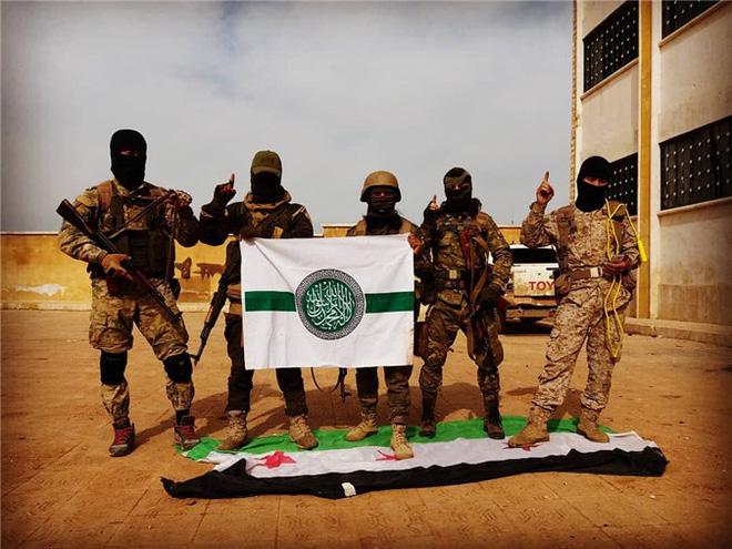 Nghịch lý Syria: Bom Ninja Mỹ gieo rắc kinh hoàng, nhưng vẫn có kim bài miễn tử? - Ảnh 7.