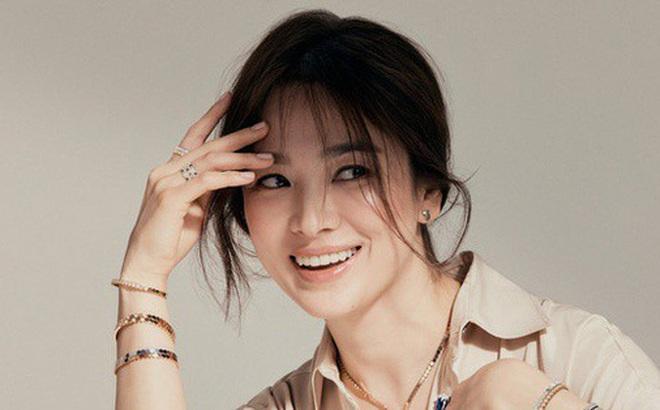 """Song Hye Kyo có động thái mới, sau khi bị nghi cố tình """"đá xéo"""" Song Joong Ki"""