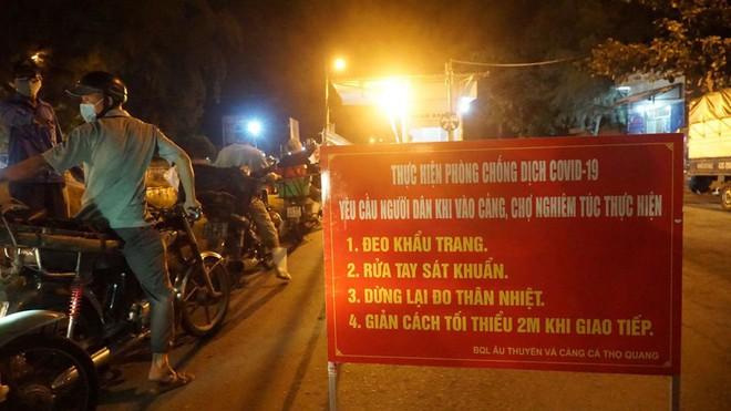 BN tái dương tính SARS-CoV-2 khi về quê, nhiều người ở Bắc Giang bị cách ly khẩn cấp; Bắc Ninh, Thanh Hóa hỏa tốc  - Ảnh 2.
