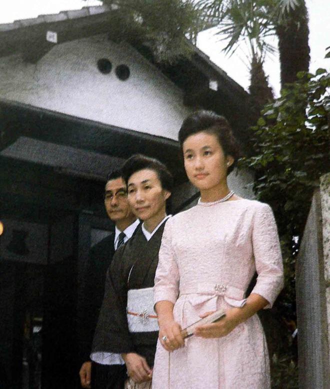 Điều ít biết về nàng dâu sắc nước hương trời của hoàng gia Nhật Bản, khí chất khó ai bì kịp, không sinh con vẫn được gia đình chồng nể trọng - Ảnh 3.