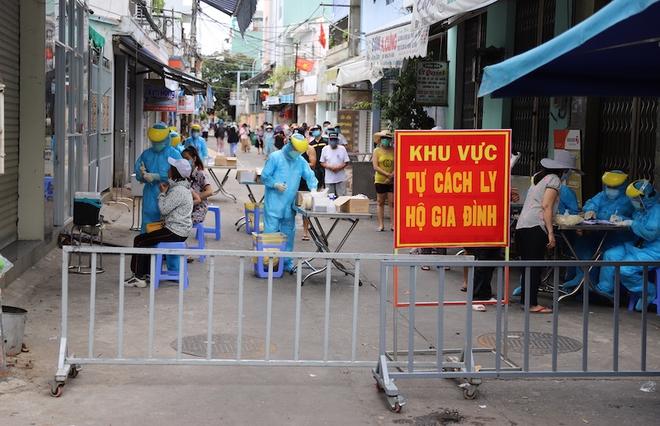 Hà Nội: Khoanh vùng, cách ly F1, F2 của ca dương tính SARS-CoV-2 mới; Đà Nẵng đề xuất cho phép công dân các địa phương về nơi cư trú - Ảnh 1.