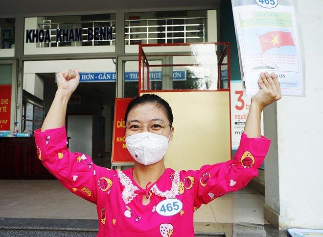 Ngày ra viện của nữ điều dưỡng mắc Covid-19 ở Bệnh viện Đà Nẵng - Ảnh 1.