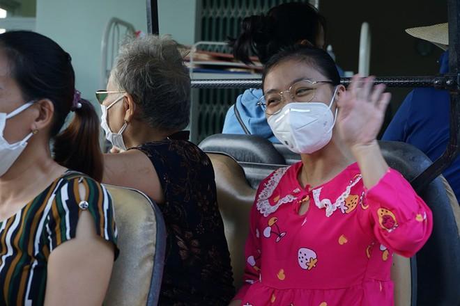 Ngày ra viện của nữ điều dưỡng mắc Covid-19 ở Bệnh viện Đà Nẵng - Ảnh 2.