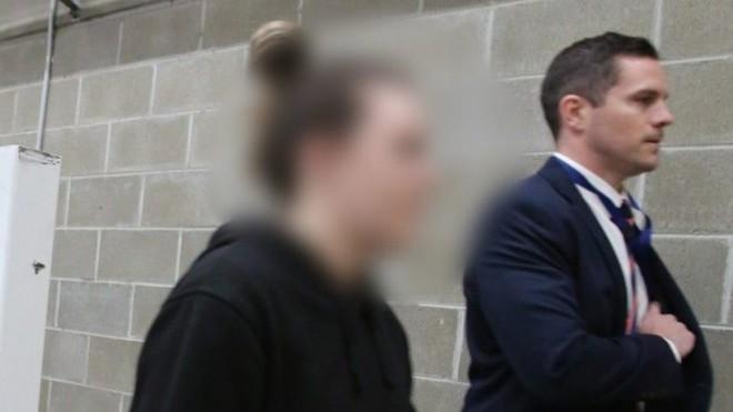 Cô giáo bị buộc tội có quan hệ với học sinh nam, hài hước nhất là lời bào chữa của luật sư - Ảnh 2.