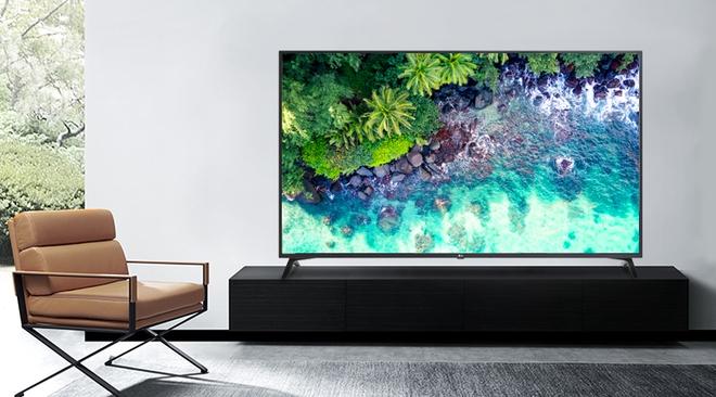"""6 mẫu tivi giảm giá 50%, nhiều chiếc có màn hình """"khủng"""" rẻ hiếm có - Ảnh 1."""
