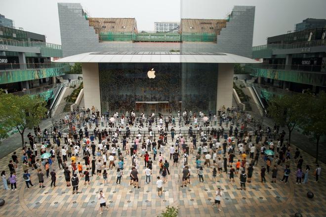Xuống tay với WeChat, ông Trump gây rủi ro cho Apple, Trung Quốc là người hưởng lợi? - Ảnh 1.