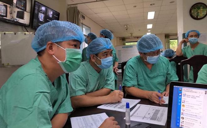 PGS Nguyễn Lân Hiếu khuyến cáo 1 loại khẩu trang không nên dùng vì không ngăn người đeo lây truyền Covid-19