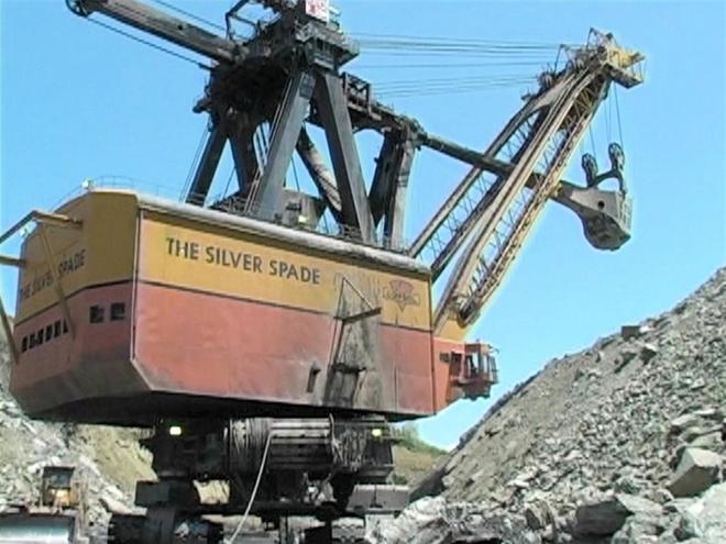 Huyền thoại Silver Spade: Cỗ máy xúc khổng lồ 7.200 tấn, như pháo đài di động ở mỏ than - Ảnh 1.