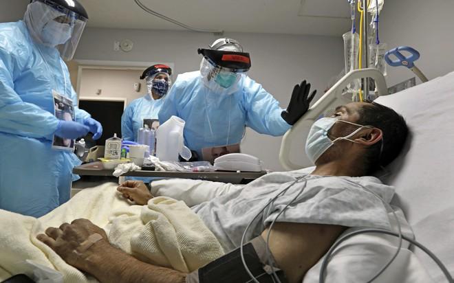 Sốc: Tìm thấy virus SARS-CoV-2 trong da người! - Ảnh 2.