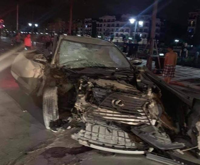 Hiện trường vụ xe Lexus gây tai nạn liên hoàn ở Hải Phòng - Ảnh 4.