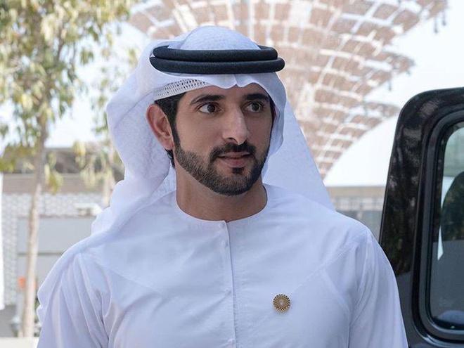 Thái tử đẹp nhất Dubai: Gây ấn tượng bởi thành tích học tập cực khủng, đã vậy còn tốt bụng đến mức khiến ai nấy phải phì cười - Ảnh 1.