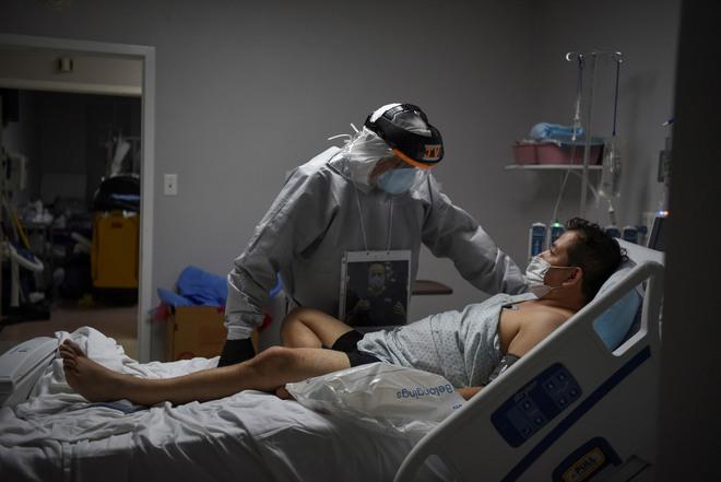 Bác sĩ kể chuyện chống COVID-19 ở Mỹ: Bị đe dọa khi tuyên truyền đeo khẩu trang, bật khóc giữa lúc khám bệnh - Ảnh 3.