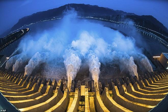 Đập Tam Hiệp có đáng với cái giá Trung Quốc trả để thuần hóa sông Dương Tử? - Ảnh 3.