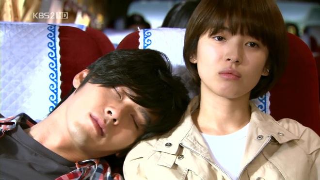 Loạt khoảnh khắc ngọt ngào giữa Song Hye Kyo - Hyun Bin sau 10 năm xem lại vẫn mê mẩn - Ảnh 12.