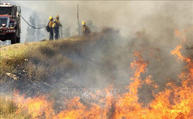 Sơ tán gần 8.000 người do cháy rừng tại Nam California - ảnh 3