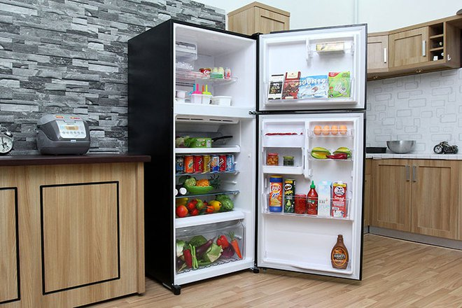 Tủ lạnh dung tích lớn đang có giá thấp hiếm có - Ảnh 1.