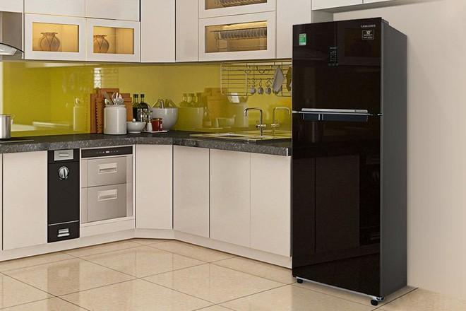 Tủ lạnh dung tích lớn đang có giá thấp hiếm có - Ảnh 2.