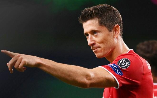 Xé lưới Lyon, Lewandowski cán cột mốc ấn tượng trong sự nghiệp - Ảnh 1.