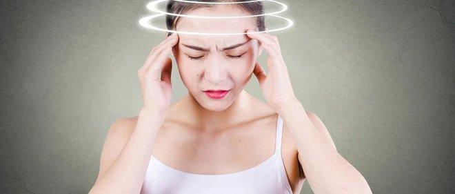 Chứng đau nửa đầu tấn công cả người trẻ: 5 cách xử lý nên ghi nhớ để dùng khi cần - Ảnh 2.