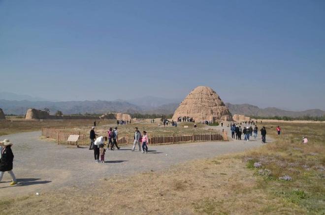 Bí ẩn lăng mộ gần 1000 năm còn nguyên vẹn: Cỏ không dám mọc, chim không dám đậu - Tại sao vậy? - Ảnh 4.