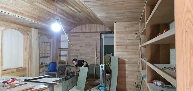 Việt Anh khoe nhà mới có cả phòng nghe nhạc và hầm rượu vang sang trọng - Ảnh 8.