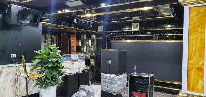 Việt Anh khoe nhà mới có cả phòng nghe nhạc và hầm rượu vang sang trọng - Ảnh 4.