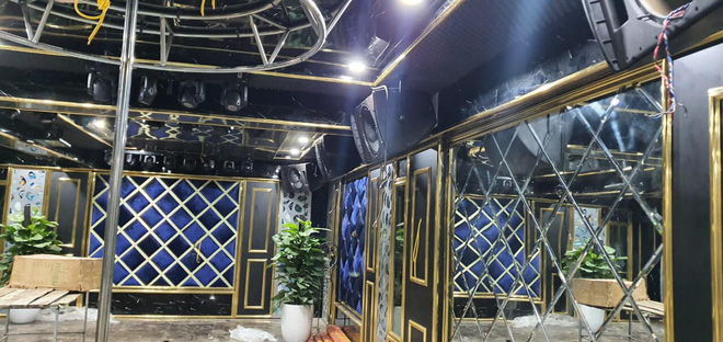 Việt Anh khoe nhà mới có cả phòng nghe nhạc và hầm rượu vang sang trọng - Ảnh 2.