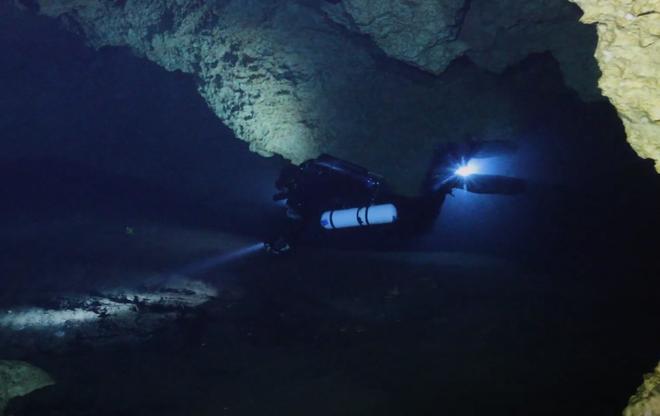 Lỗ xanh của đại dương: Bí ẩn khiến giới khoa học không ngừng khám phá - Ảnh 4.